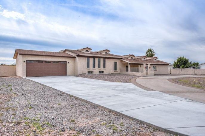 6439 W GREENBRIAR Drive, Glendale, AZ 85308