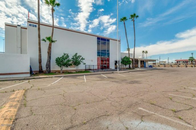 Zoned C-2. 11,026sqft. Perfect for numerous office and retail uses.