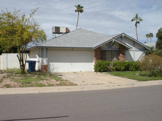 1210 W SHAWNEE Drive, Chandler, AZ 85224