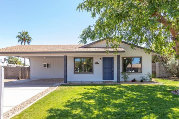 2313 E LAUREL Lane, Phoenix, AZ 85028