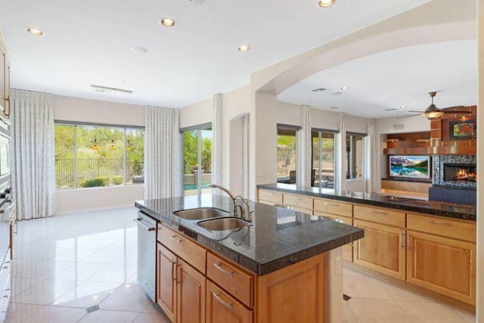 11268 E Cavedale Drive, Scottsdale, AZ 85262