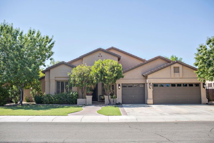 2351 W MAPLEWOOD Street, Chandler, AZ 85286