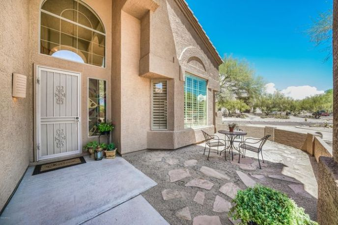 Welcome home to this lovely home. Lovely curb appeal as well as a cozy front courtyard.