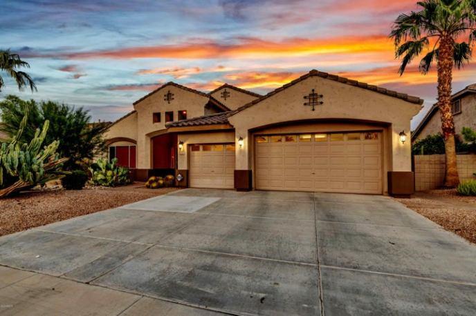 2731 S HONEYSUCKLE Lane, Gilbert, AZ 85295