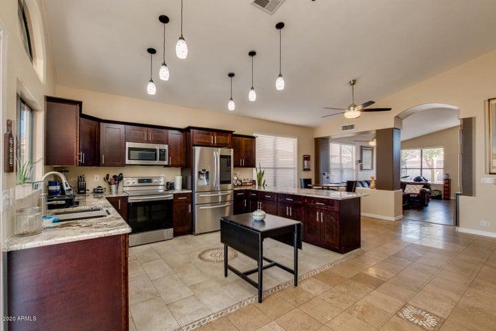 2140 E WAHALLA Lane, Phoenix, AZ 85024