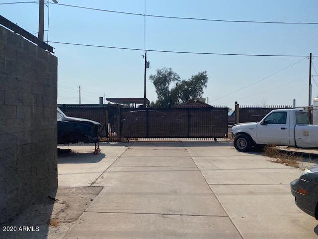 4239 S 9TH Street, Phoenix, AZ 85040
