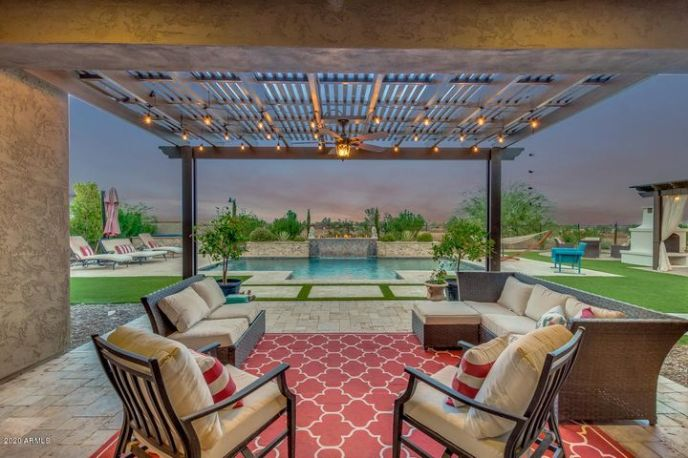 Wow! This backyard is perfect for parties and events