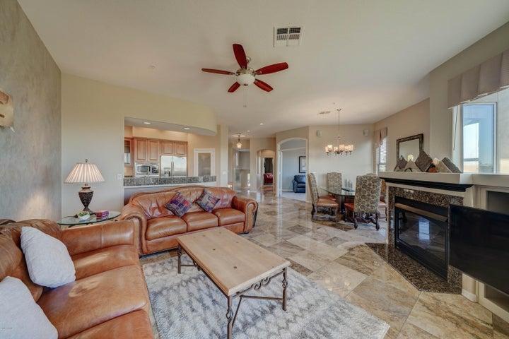 14850 E GRANDVIEW Drive E, 201, Fountain Hills, AZ 85268