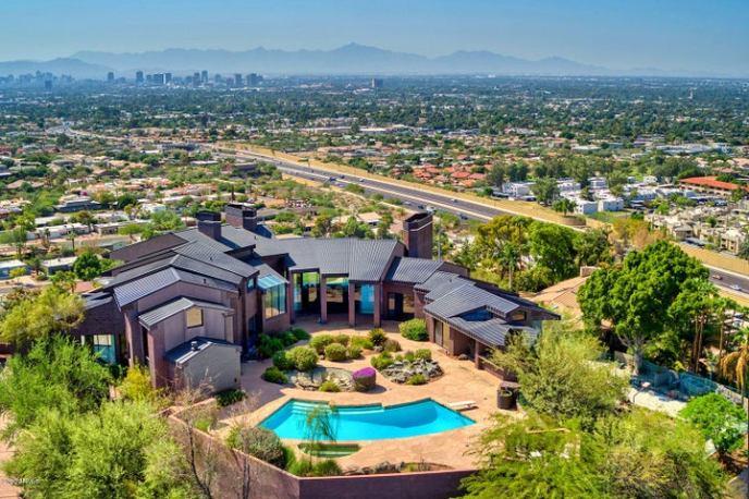 2106 E KALER Drive, Phoenix, AZ 85020