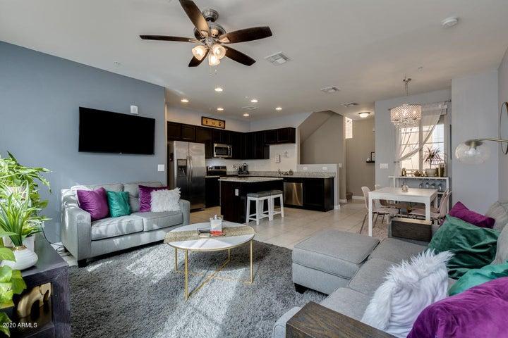 240 W JUNIPER Avenue, 1072, Gilbert, AZ 85233