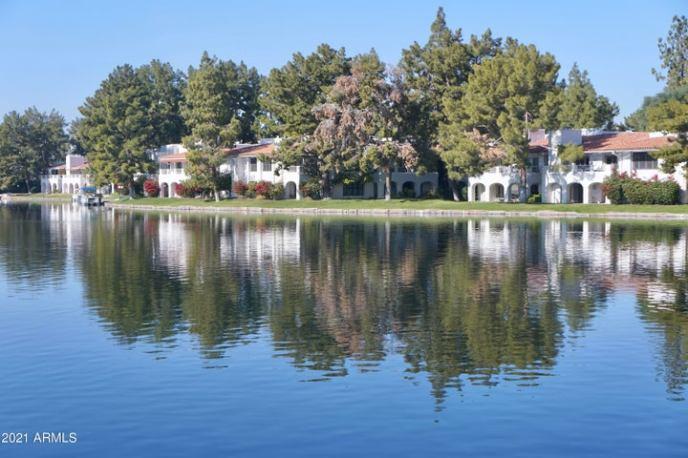 Fabulous Lakes Community of Harbour Village