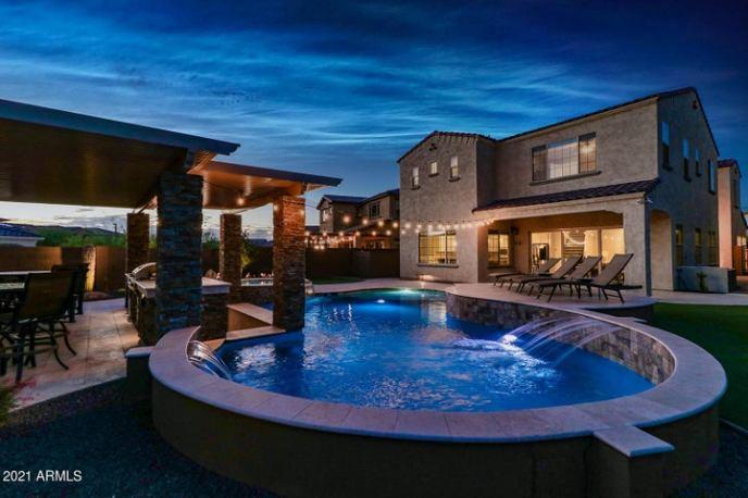 3257 E Louise Drive, Phoenix, AZ 85050