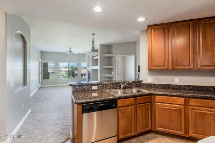 5450 E DEER VALLEY Drive, 4213, Phoenix, AZ 85054