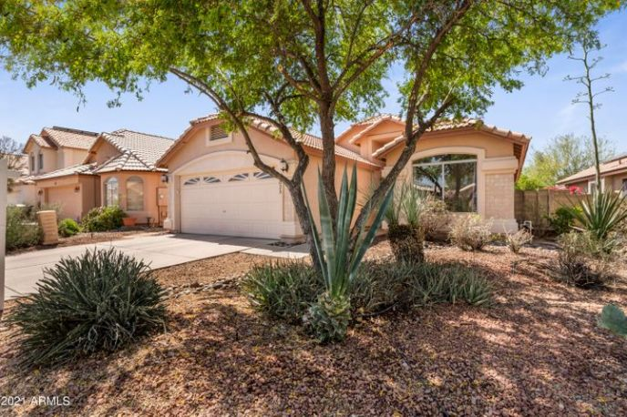 3025 E Wagoner Road, Phoenix, AZ 85032