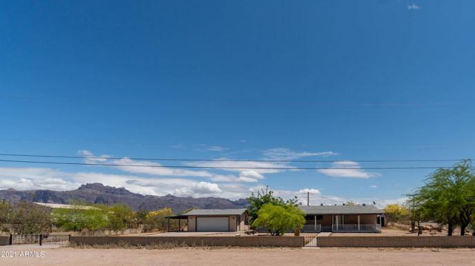 2551 S CORTEZ Road, Apache Junction, AZ 85119