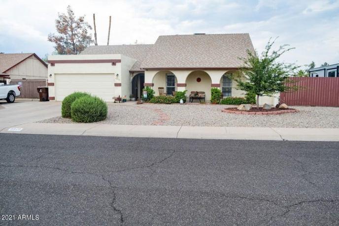 8828 W VOGEL Avenue, Peoria, AZ 85345