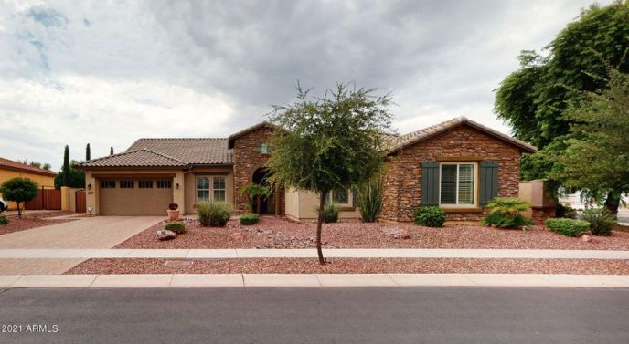7595 W FIREBIRD Drive, Glendale, AZ 85308