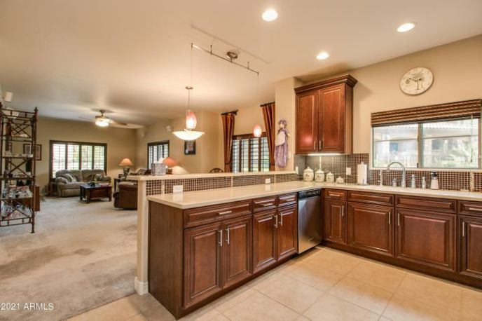 5450 E DEER VALLEY Drive, 1003, Phoenix, AZ 85054