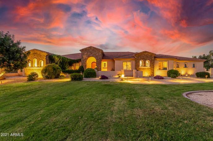 23172 S SOSSAMAN Road, Queen Creek, AZ 85142