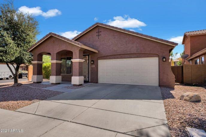 4165 E BELLERIVE Drive, Chandler, AZ 85249