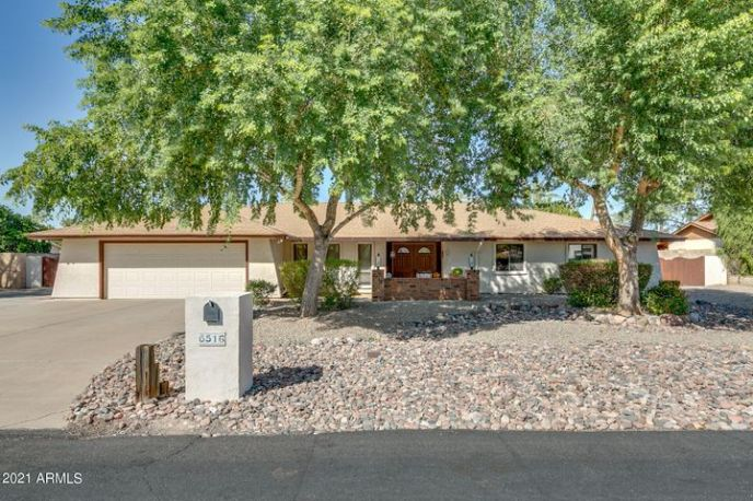 6516 W VILLA THERESA Drive, Glendale, AZ 85308