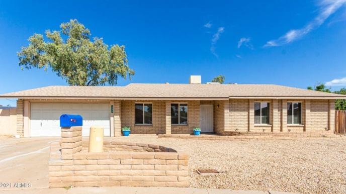 1946 W KRISTAL Way, Phoenix, AZ 85027