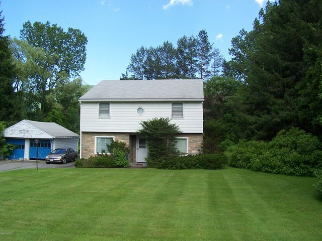 1268 Curran, North Adams, MA 01247