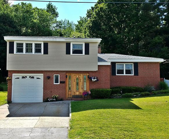 17 Highland Ave, Adams, MA 01220