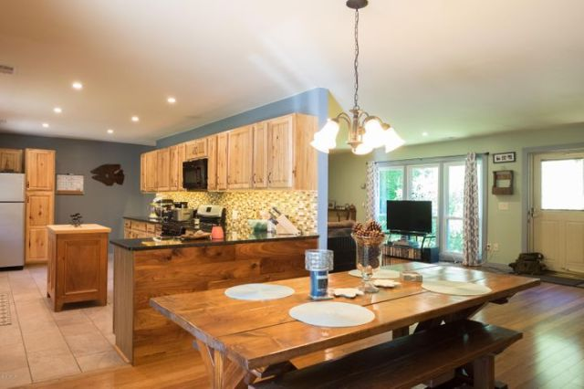 85 Fred Snow Rd, Becket, MA 01223