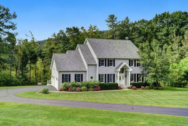 Exclusive Living in Woodmonte Estates