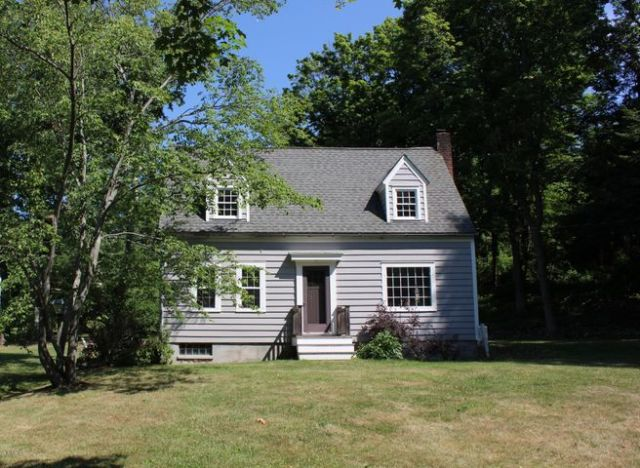 1811 County Route 9 Rd, Chatham, NY 12037