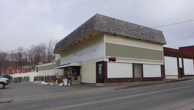 41 Union St, North Adams, MA 01247