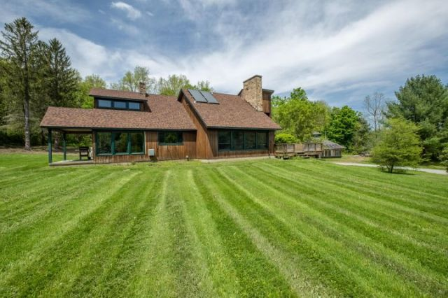 1341 Green River Rd, Williamstown, MA 01267