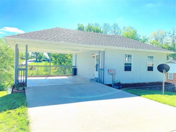 1112 REAMS RD, BOONVILLE, MO 65233