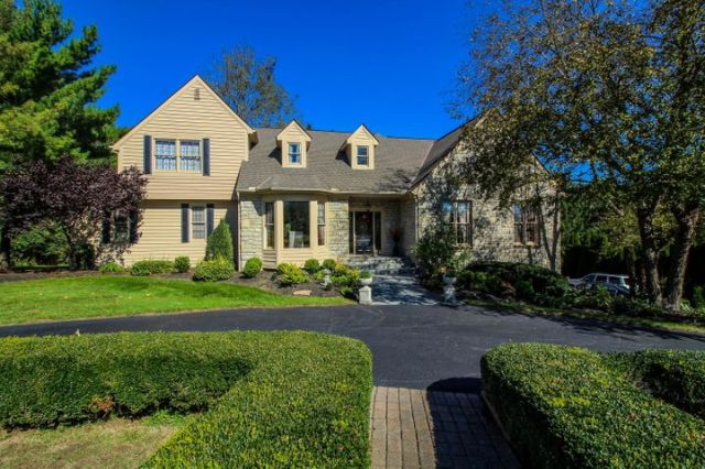 1360 Briarcliffe Drive, Powell, OH 43065