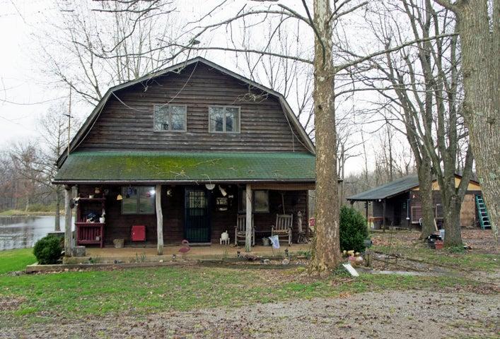 2345 Reevesville Road, Grantsburg, IL 62943