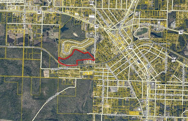 ALMOST 35 ACRES IN THE HEART OF CRESTVIEW THAT IS ALREADY APPROVED FOR RIGHT AROUND 525 UNITS. THE LAND IS AN OAK HAMMOCK, SURROUNDED BY A CREEK, VERY QUIET AND BUILDABLE DUE TO RELATIVELY FLAT TERRAIN. THERE IS A DEDICATED SEWAGE LIFT STATION AT THE STREET. THE PROPERTY WOULD BE PERFECT FOR A NEW RESIDENTIAL DEVELOPMENT.