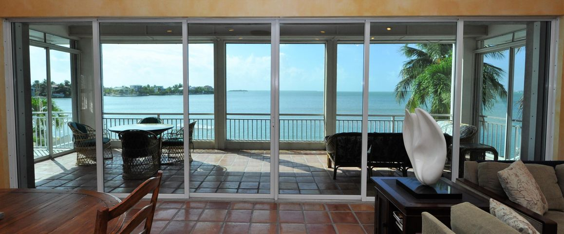 556 E Caribbean Drive, Summerland Key, FL 33042