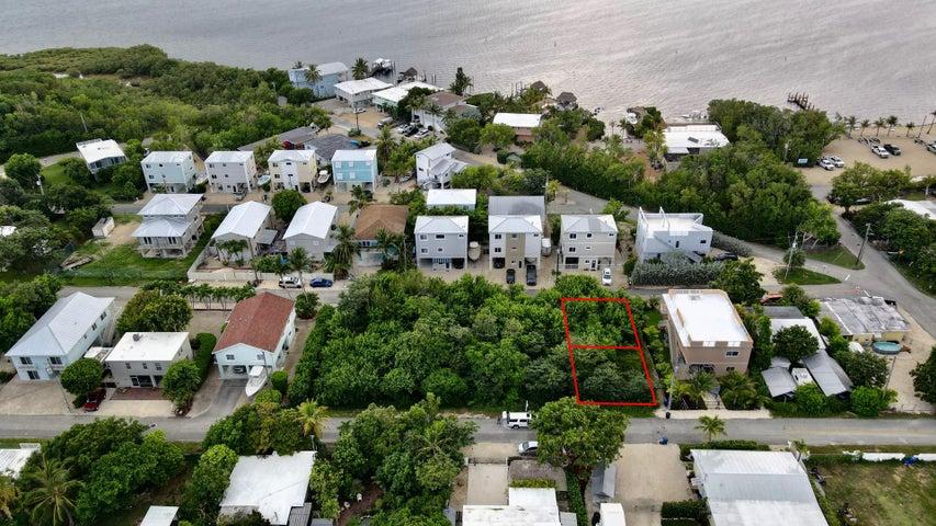 Lake View Drive, Key Largo, FL 33037