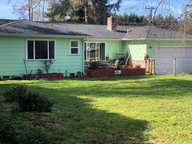 1194 Azalea Avenue, McKinleyville, CA 95519