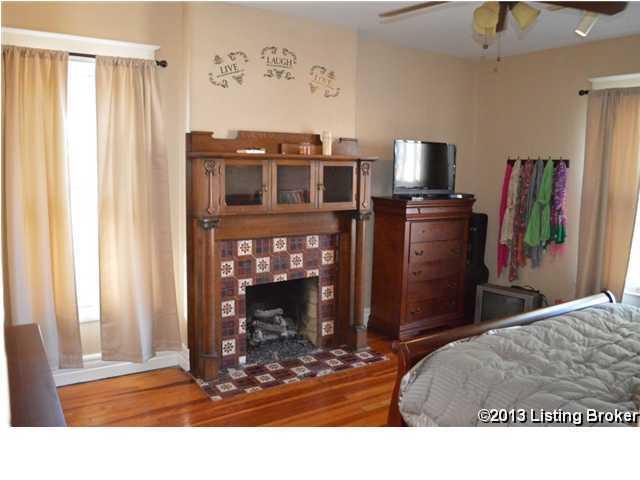 2102 Woodbourne Ave,Louisville,Kentucky 40205,3 Bedrooms Bedrooms,7 Rooms Rooms,2 BathroomsBathrooms,Residential,Woodbourne,1350347