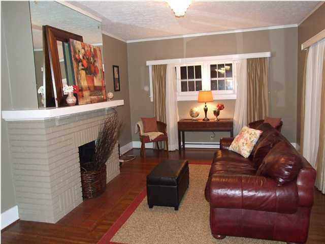 2637 Byron Ave,Louisville,Kentucky 40205,4 Bedrooms Bedrooms,9 Rooms Rooms,3 BathroomsBathrooms,Residential,Byron,1316759