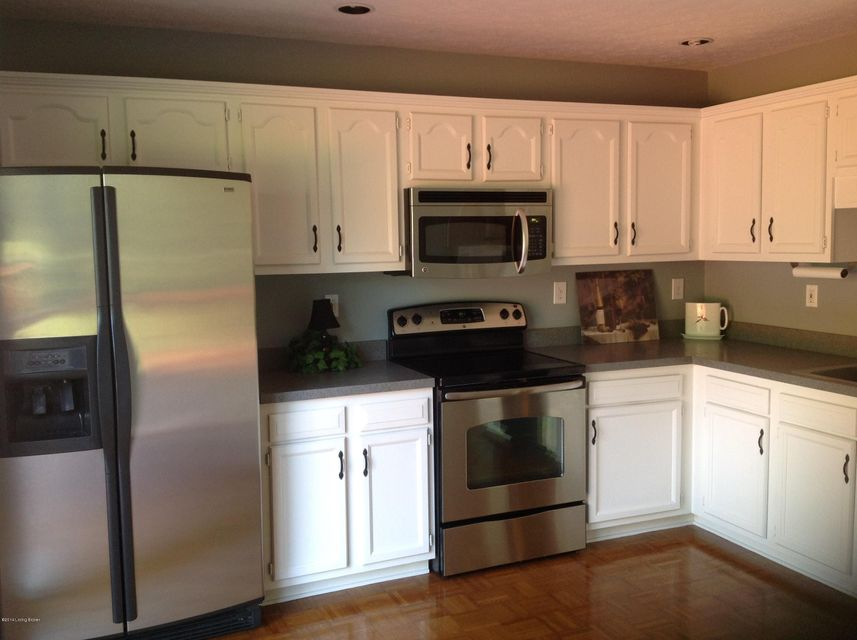 4725 Fairway Pointe Ct,Louisville,Kentucky 40241,3 Bedrooms Bedrooms,9 Rooms Rooms,2 BathroomsBathrooms,Residential,Fairway Pointe,1400579