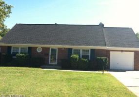 7717 Crest Way,Louisville,Kentucky 40219,4 Bedrooms Bedrooms,6 Rooms Rooms,2 BathroomsBathrooms,Residential,Crest,1402337