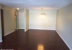 107 La Fontenay Ct,Louisville,Kentucky 40223,3 Bedrooms Bedrooms,6 Rooms Rooms,2 BathroomsBathrooms,Residential,La Fontenay,1421838