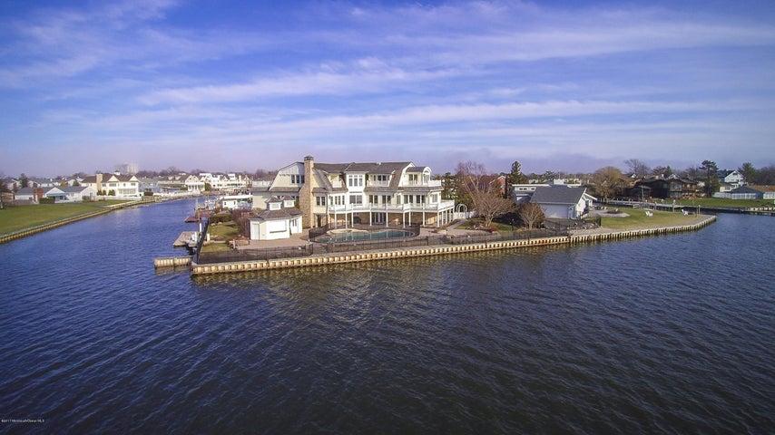 24 Gull Point Road, Monmouth Beach, NJ 07750