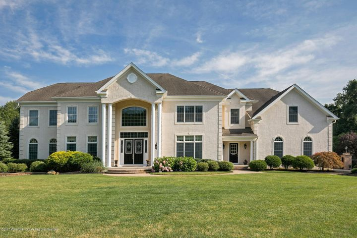 17 Sleepy Hollow Court, Upper Freehold, NJ 08501