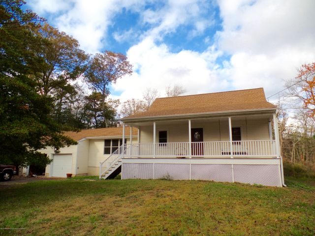 129 Mathis Street, Bayville, NJ 08721