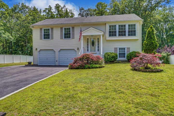 53 Cambridge Drive, Jackson, NJ 08527
