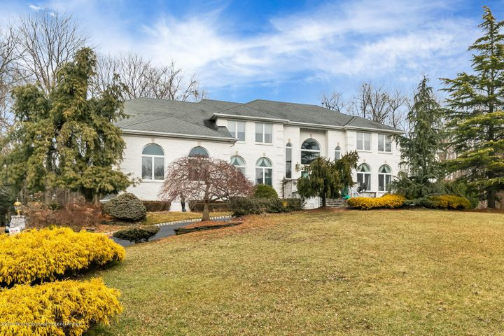 1 Debra Court, Marlboro, NJ 07746